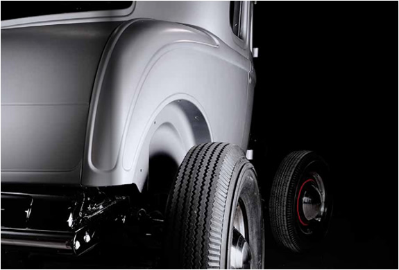 1932-ford-5-window-coupe-body-9.jpg