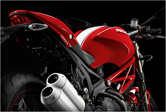 2014-ducati-monster-1200-4.jpg | Image