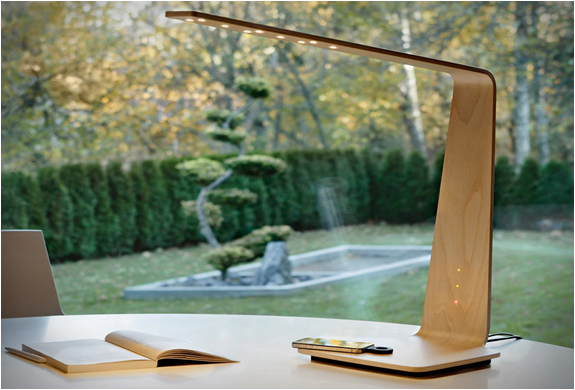 TUNTO POWERKISS | LAMP & WIRELESS CHARGER | Image