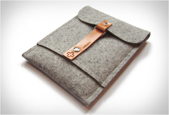 addaskin-wool-ipad-sleeve-3.jpg