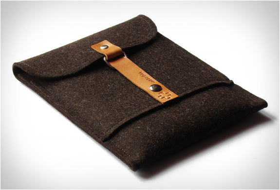 addaskin-wool-ipad-sleeve-5.jpg