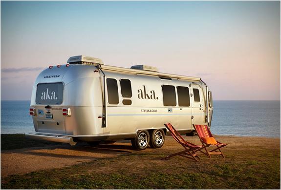 Aka luxury mobile suite for Camping car de luxe avec piscine