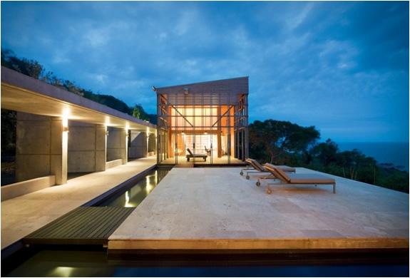 alinghi-residence-grose-bradley-2.jpg
