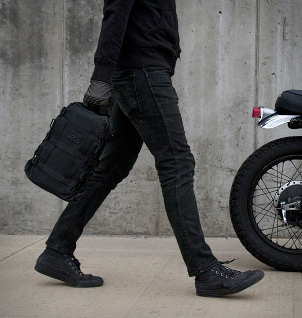 alms-motorcycle-tail-bag-5-a.jpg