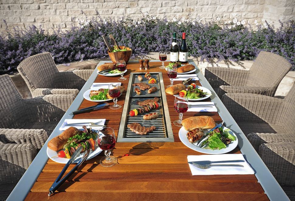 Angara Maximus Barbecue Table | Image