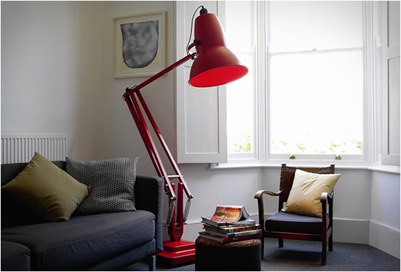 Giant1227 Signal Red by Anglepoise