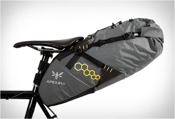APIDURA | ULTRALIGHT CYCLING BAGS | Image