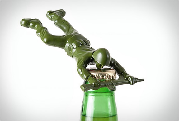 army-man-bottle-opener-2.jpg