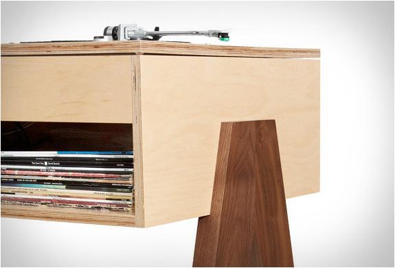 atocha-design-dj-stand-6.jpg