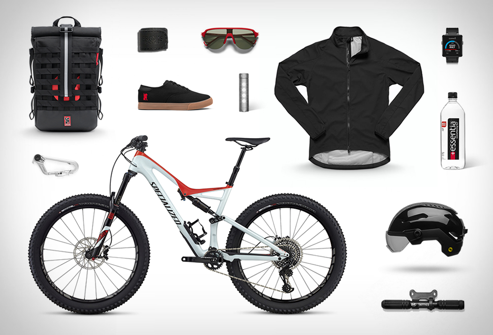 August 2017 Bike Commuter Gear | Image