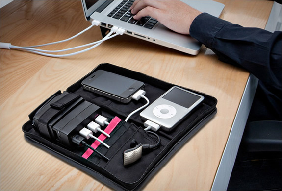 PORTABLE CHARGING STATION | BY AVIIQ | Image