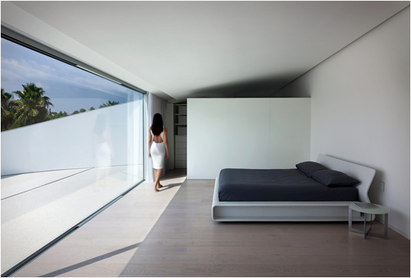 balint-house-fran-silvestre-architects-13.jpg