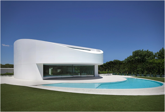 balint-house-fran-silvestre-architects-16.jpg