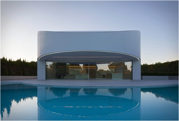 balint-house-fran-silvestre-architects-17.jpg