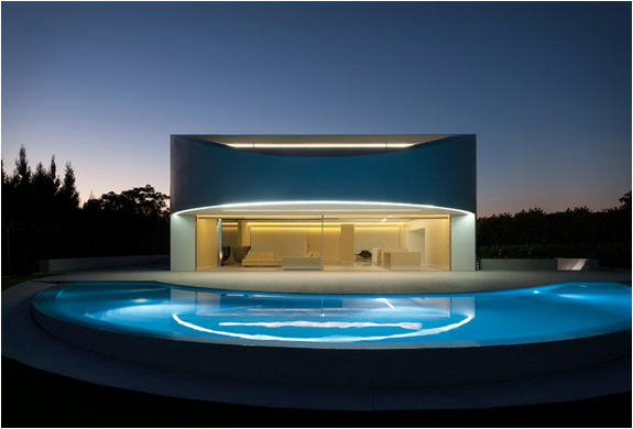 balint-house-fran-silvestre-architects-3.jpg | Image