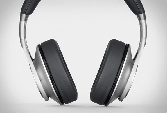 beats-executive-overear-headphones-4.jpg | Image