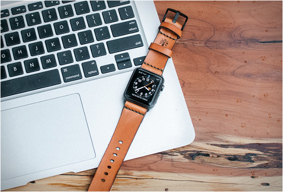 bexar-apple-watch-leather-strap-6.jpg