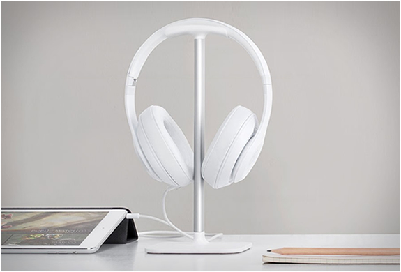 bluelounge-posto-headphone-stand-2.jpg | Image