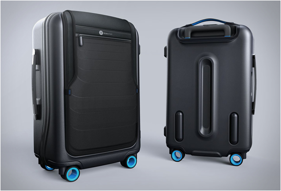bluesmart-smart-carry-on-10.jpg