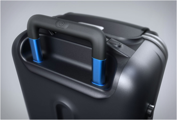 bluesmart-smart-carry-on-5.jpg | Image