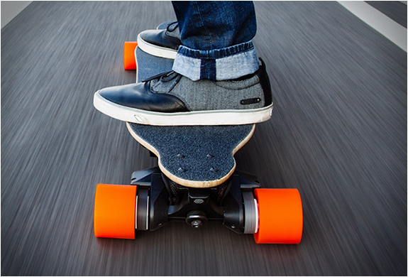 BOOSTED BOARD | Image
