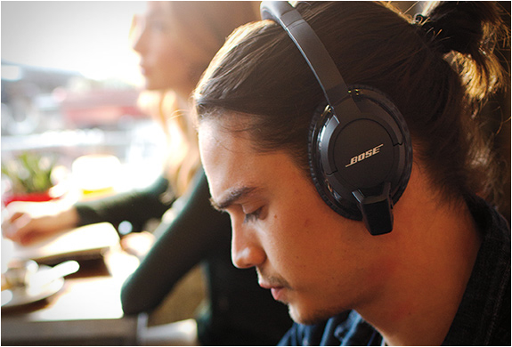 BOSE AE2W WIRELESS HEADPHONES | Image