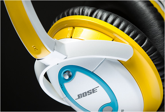 bose-custom-quietcomfort-15-headphones-4.jpg | Image