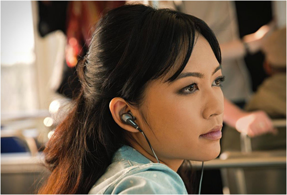 bose-quietcomfort-20-headphones-5.jpg | Image