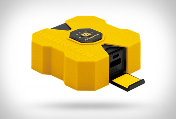 Brunton Revolt Power Bank | Image