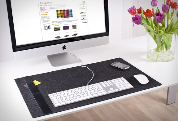 DESK PAD | BY BURNING LOVE | Image