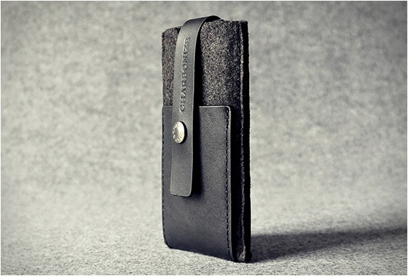 charbonize-iphone-wallet-case-5.jpg | Image