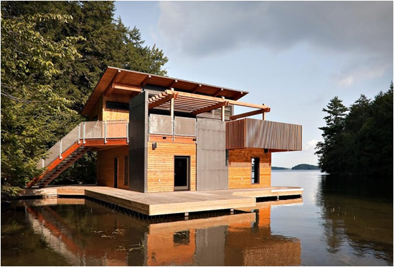 http://www.blessthisstuff.com/imagens/stuff/christopher-simmonds-muskoka-lakes-boathouse-2.jpg