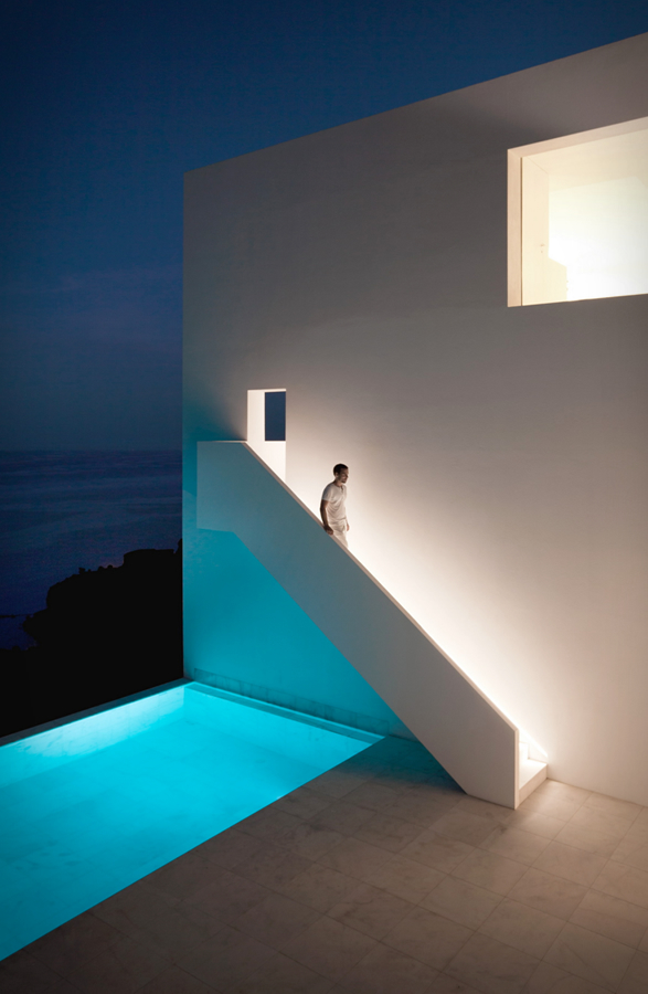 cliff-house-fran-silvestre-arquitectos-2.jpg | Image