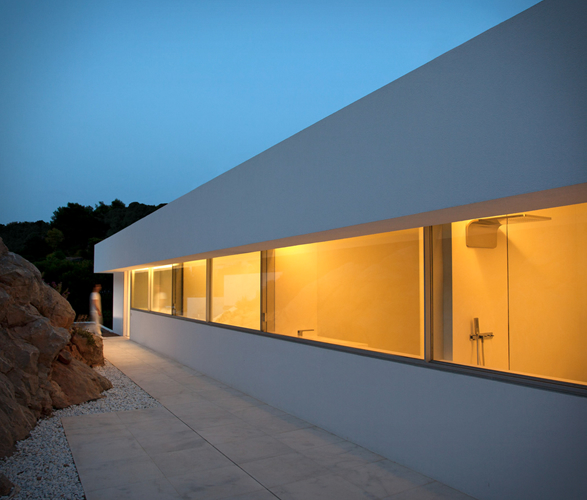 cliff-house-fran-silvestre-arquitectos-5.jpg | Image