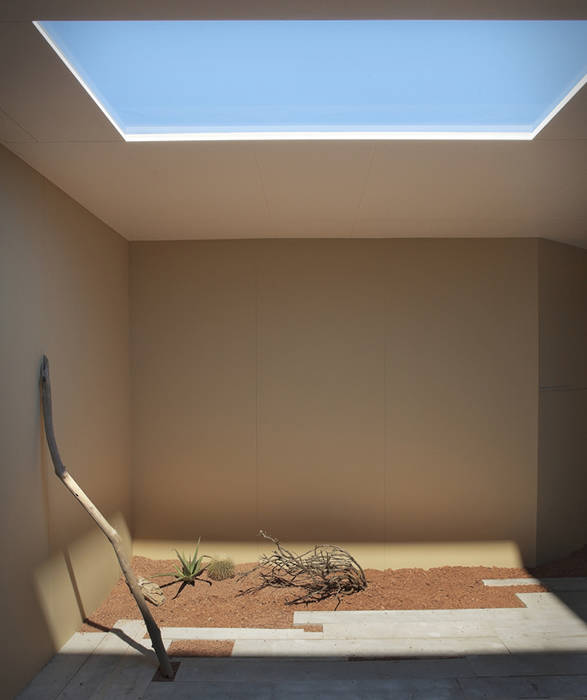 coelux-artificial-skylight-5.jpg | Image