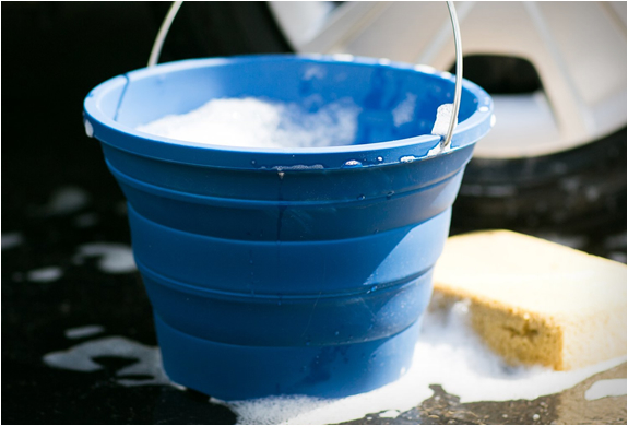 collapsible-bucket-infusion-living-5.jpg | Image