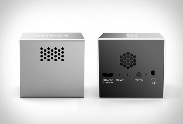 cube-mobile-projector-4.jpg | Image