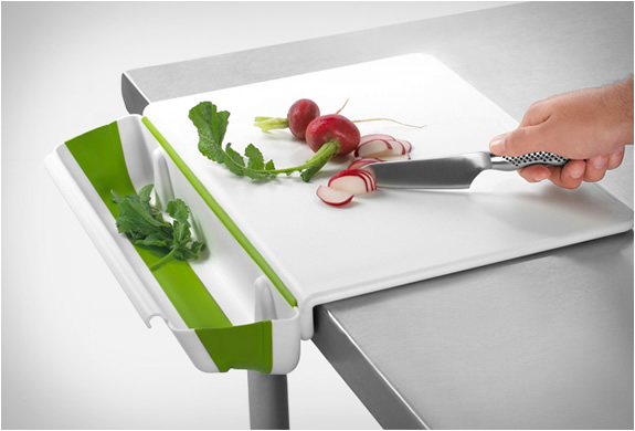CUTTING BOARD WITH COLLAPSIBLE BIN | Image