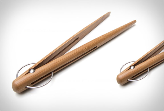 design-house-wooden-pick-up-tongs-3.jpg