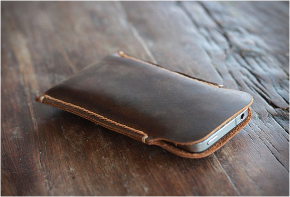 distressed-leather-iphone-5-case-4.jpg | Image