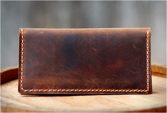 distressed-leather-iphone-wallet-4.jpg | Image