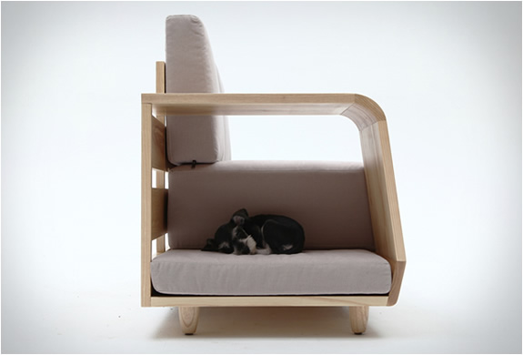 Dog house sofa by seungji mun Dog house sofa