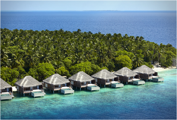 dusit-thani-maldives-4.jpg