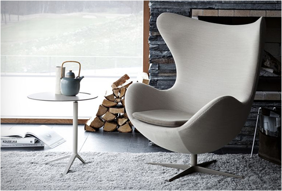 egg chair by arne jacobsen image. Black Bedroom Furniture Sets. Home Design Ideas