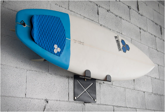 EL GRINGO | WALL MOUNTED SURFBOARD RACK | Image