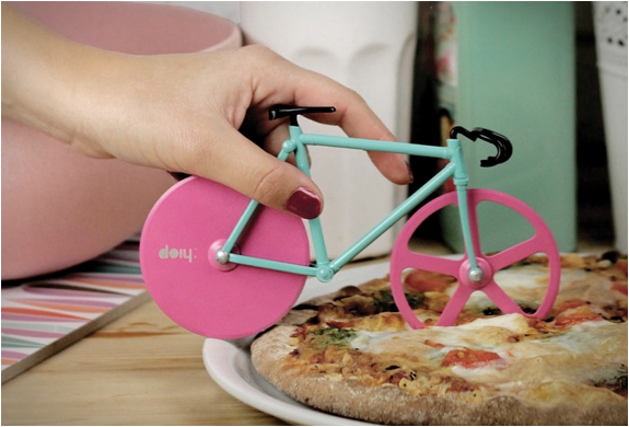 Fixie pizza cutter 3