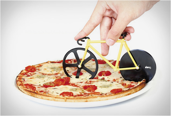 FIXIE PIZZA CUTTER | Image