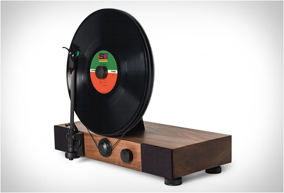 floating-record-vertical-turntable-2.jpg | Image