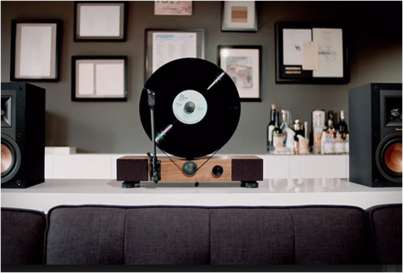 floating-record-vertical-turntable-7.jpg