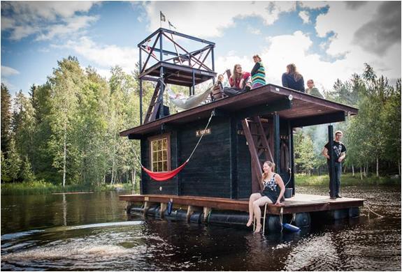 floating-σάουνα-πλωτό σπίτι-10.jpg
